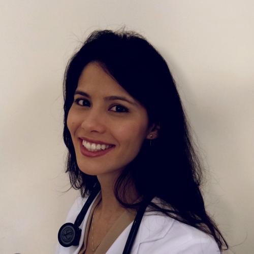 Dra. Kelly Oliveira Pediatra